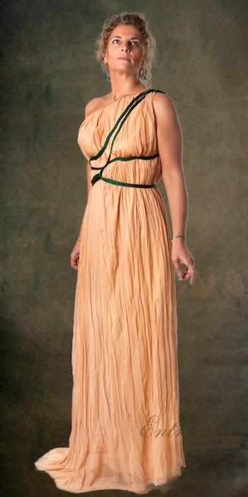 fc6adec53 Vestido griega   Siglo II aC - V   Edad Antigua - Grecia y Roma ...