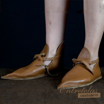 Shoes XIII century